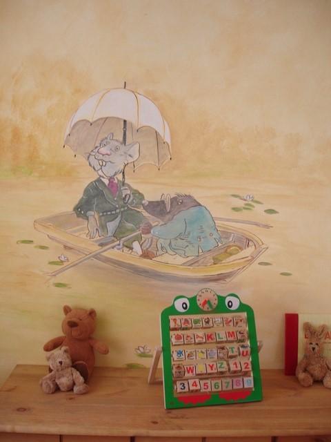 Ein Maulwurf und eine Maus rudern über einen Seerosenteich und schmücken ein Kinderzimmer.